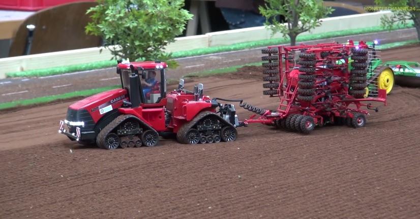 BIG RC Tractor ACTION Case John Deere Claas Fendt At Work