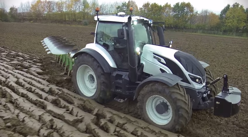 international 250 tractor related keywords suggestions new valtra t series