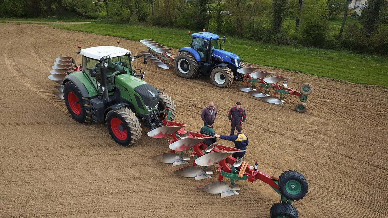 Fendt 824 And New Holland T7 270 Plowing