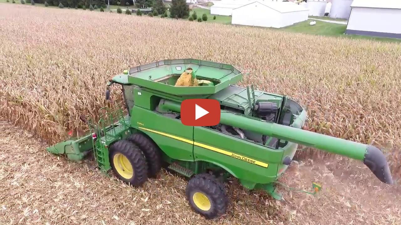 Iowa Corn Harvest 2017 With A John Deere S660