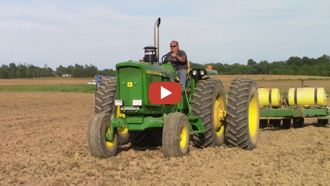 John Deere Combine >> John Deere 4620 Tractor and John Deere 7000 Corn Planter ...