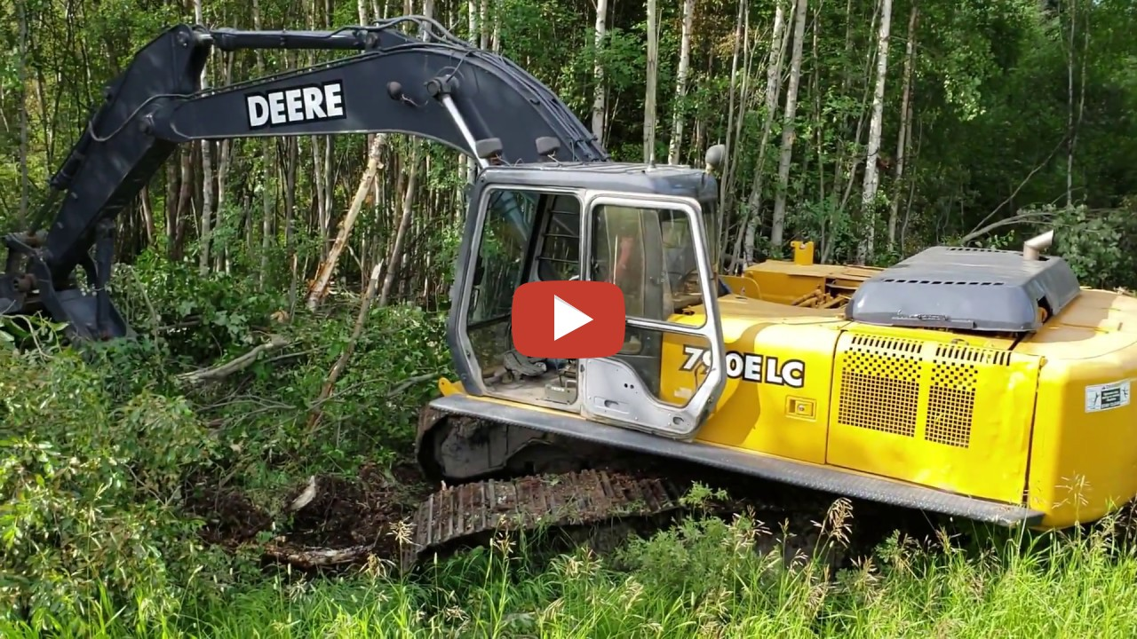 Clearing Brush For A New Fence Line With A John Deere 790